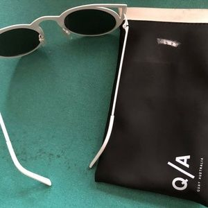 Quay Australia Invader 7.60 Cat Frame Sunglasses